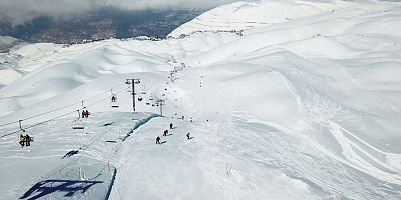 Kfardebian Ski Resort - White snow caps!